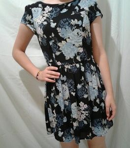 🌺 NWOT Three Pink Hearts Fully Lined Floral Dress